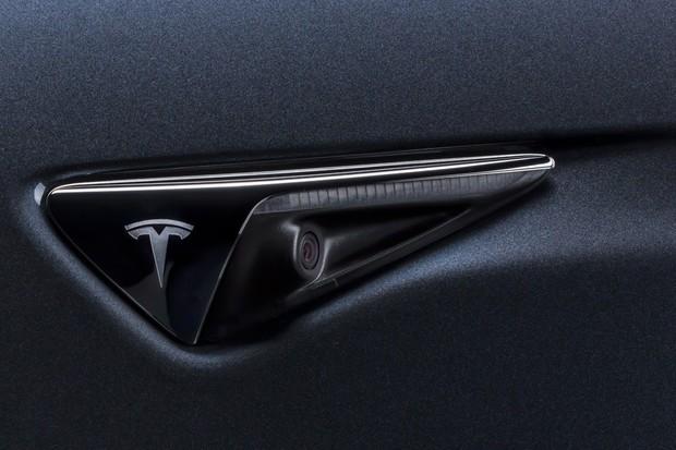 Tesla pomohla odhalit nebezpečného střelce. Hrozí mu 57 let vězení