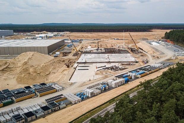 Kdo vlastně blokuje stavbu Gigafactory Berlin? Zemský ministr k tomu nevidí důvod
