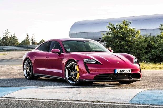 Porsche Taycan pro modelový rok 2022. Je libo růžovou?