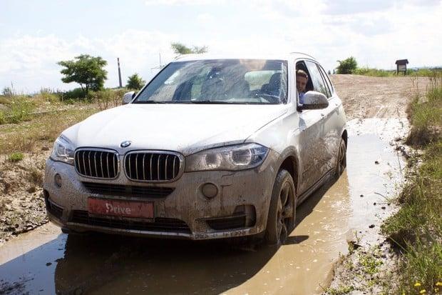 Prohnali jsme BMW X5 v HUMMER centru. Obstálo?