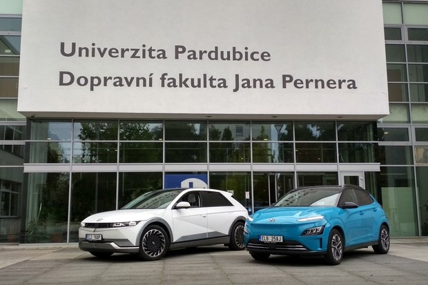Čeští studenti už se učí i elektromobilitu