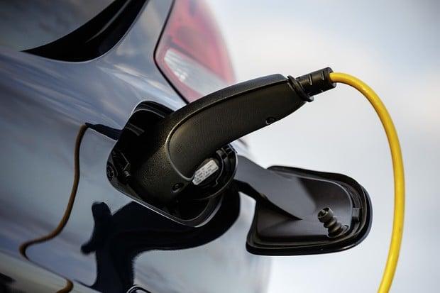 V Evropě se letos prodalo bezmála 200 tisíc plug-in hybridních vozů