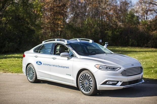 O2 uvedlo ve Velké Británii síť 5G na testovací trase pro autonomní vozidla