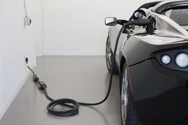 Druhá generace Tesly Roadster již klepe na dveře