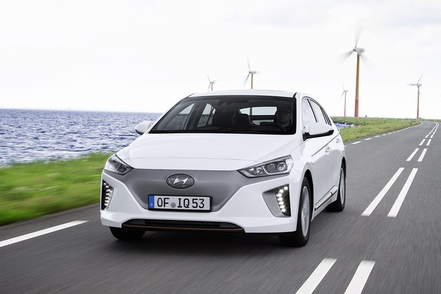 Stát nakupuje elektromobily ve velkém. Tendr vyhrála automobilka Hyundai