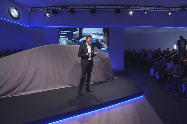BMW předvedlo interiér zítřka. Budoucnost leží v gestech