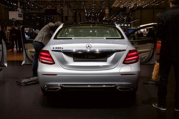 Jak se nám líbí Mercedes E 350 e? První dojmy z Ženevy