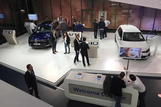 Nakoukli jsme pod pokličku technologií Volkswagenu přímo ve Wolfsburgu