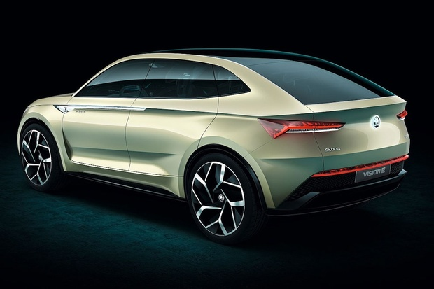 Škoda Vision E si troufne i na Teslu Model 3. Ta je prý moc drahá a nudná