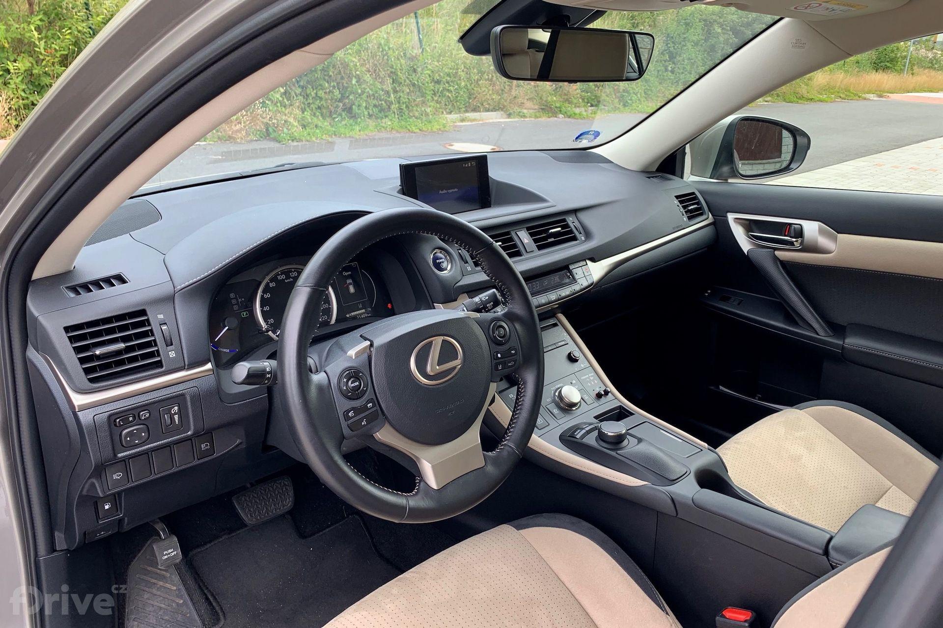 Lexus CT 200h (2011)