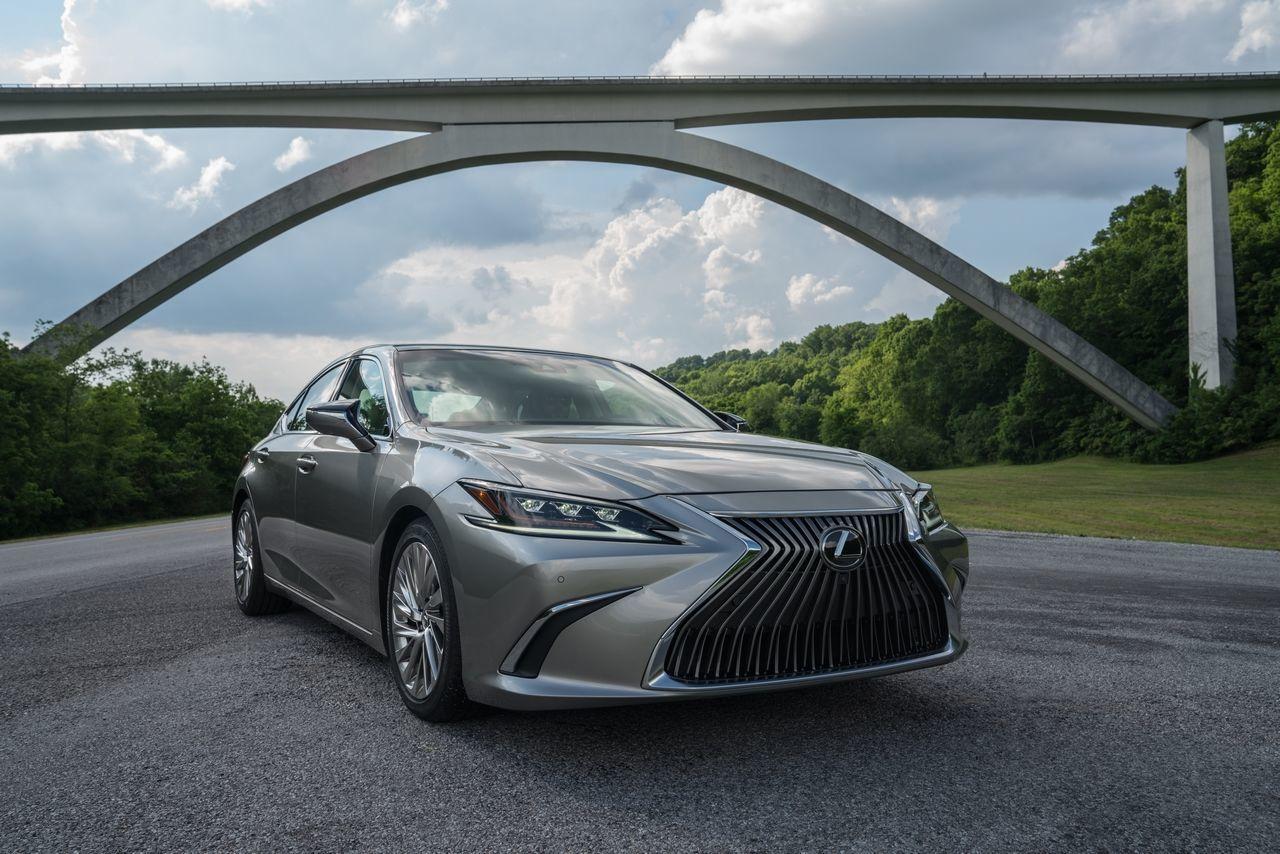 Lexus ES (2018)
