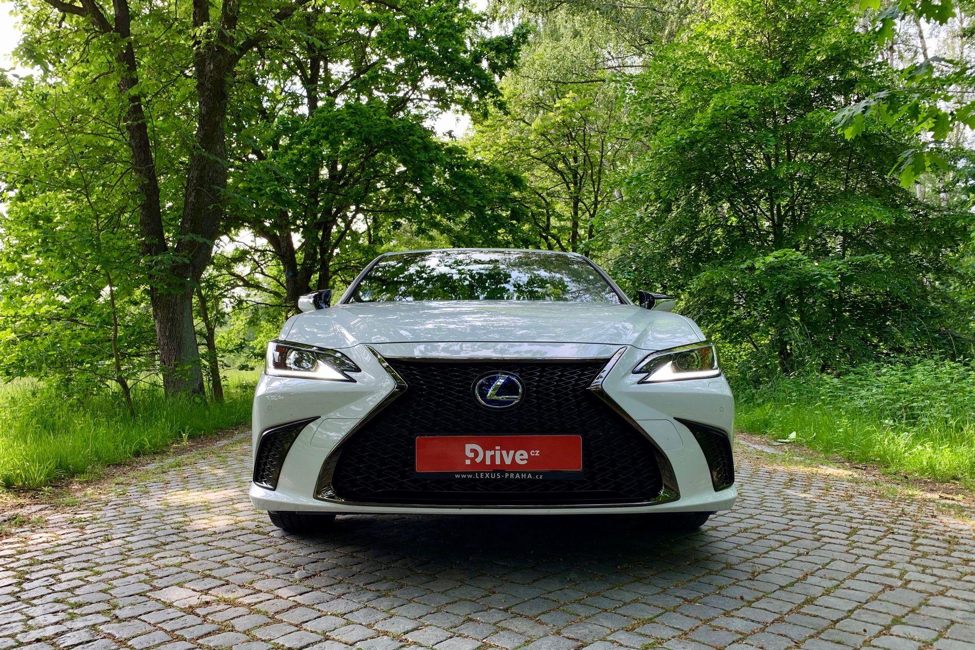 Lexus ES 300h (2018)
