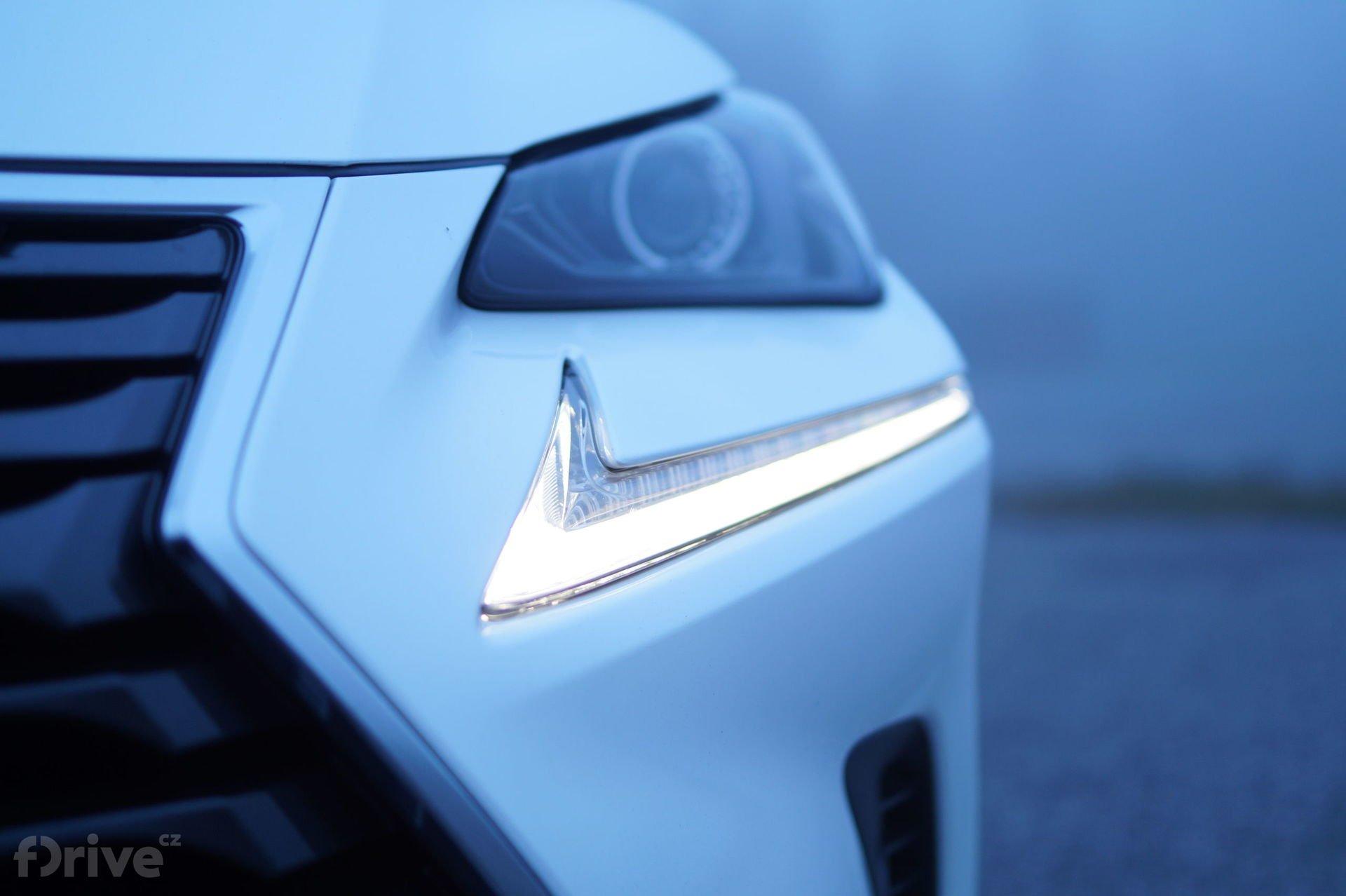 Lexus NX 300h (2015)
