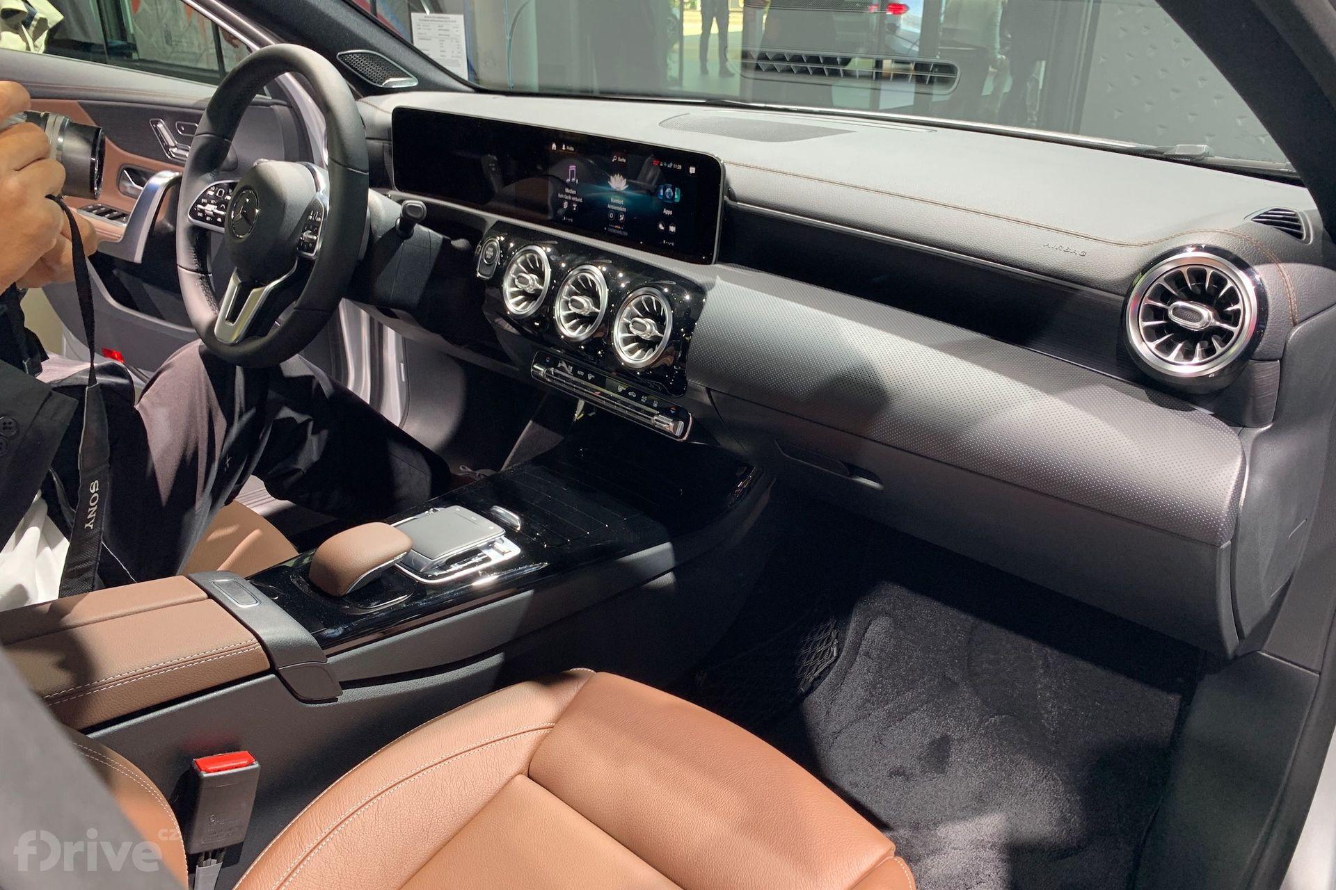 Mercedes-Benz A 250e sedan (2019)