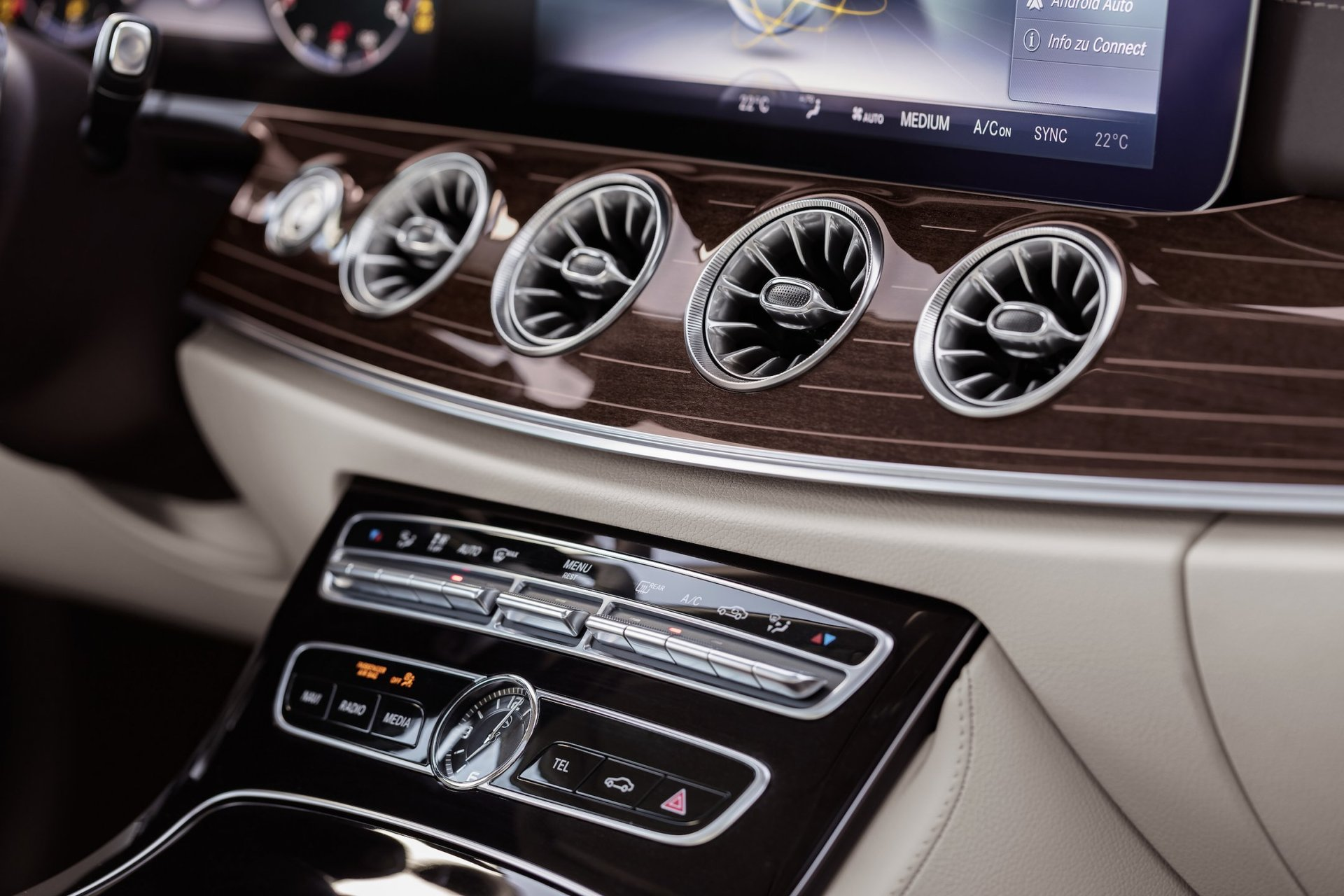 Mercedes-Benz E (2016)
