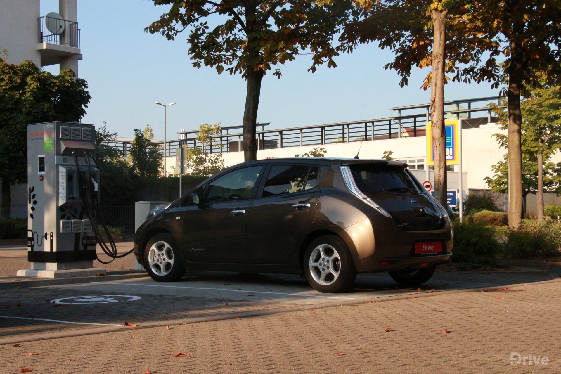 Nissan Leaf (2016) - cesta do Paříže