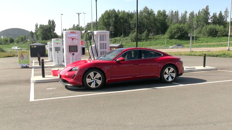 Porsche Taycan 4S Performance Battery Plus
