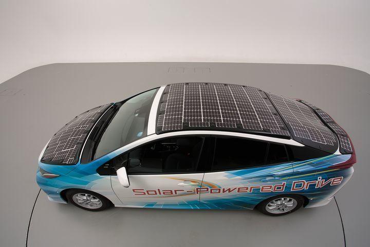 Solarní auto od Toyoty