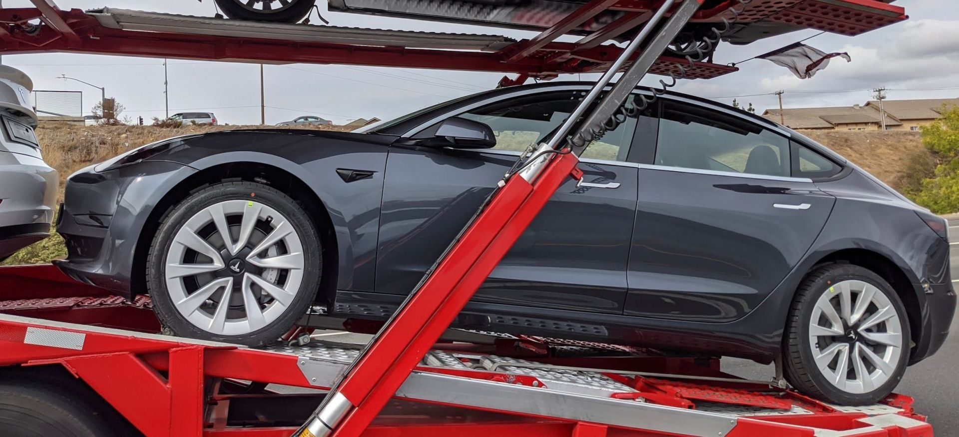 Tesla Model 3Tesla Model 3 a její nová kola