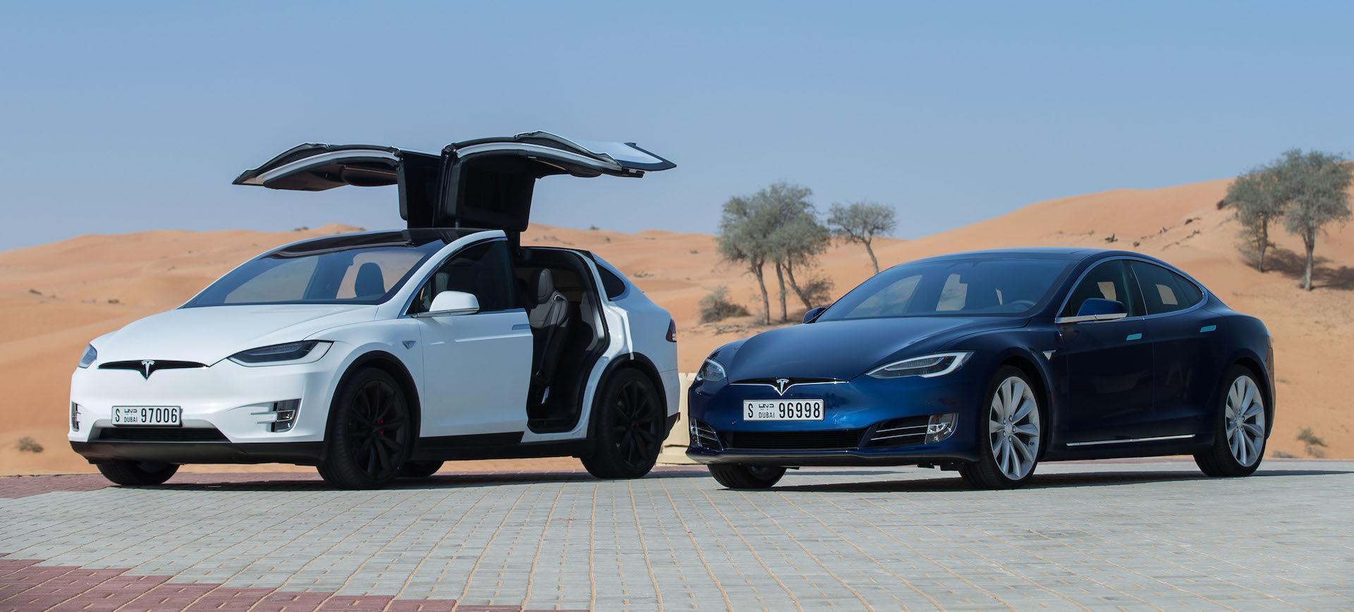 Tesla Model X a Model S