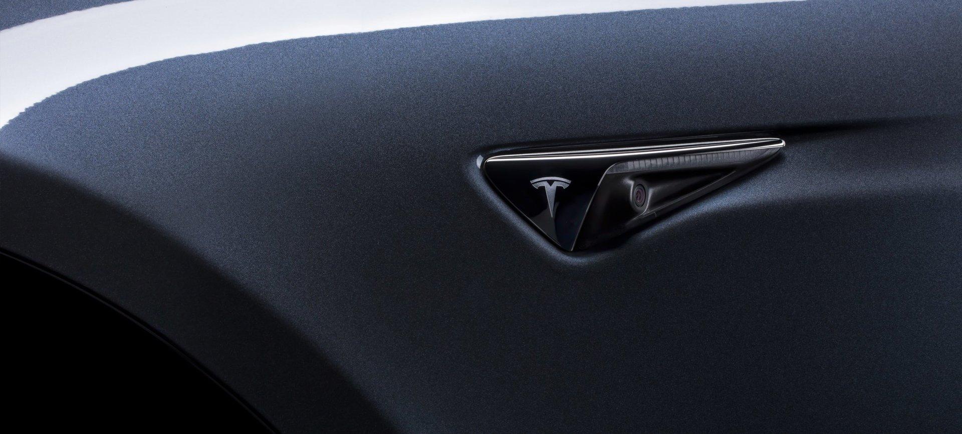 Tesla senzor