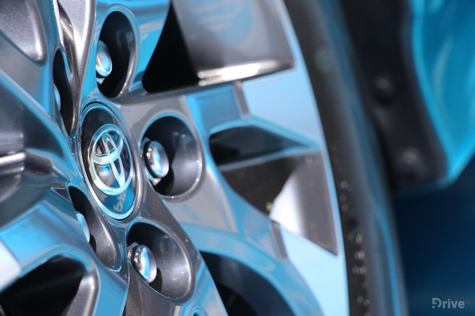 Toyota Prius Plug-in Hybrid (2016)