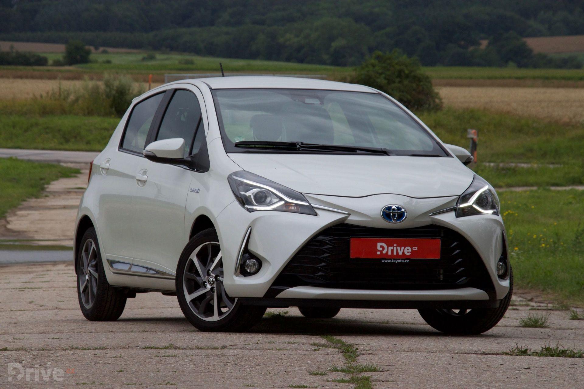 Toyota Yaris Hybrid (2011)