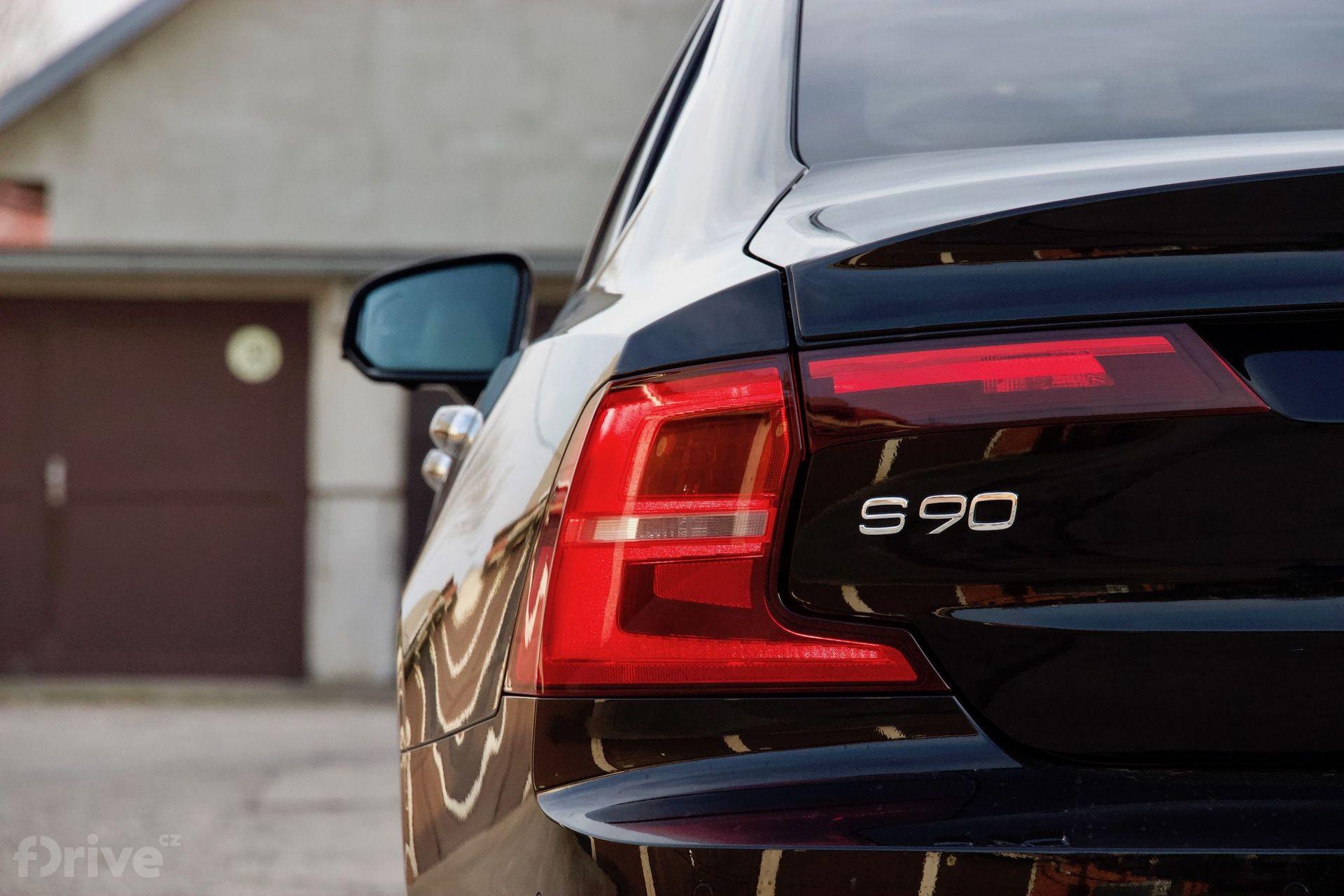 Volvo S90 (2015)