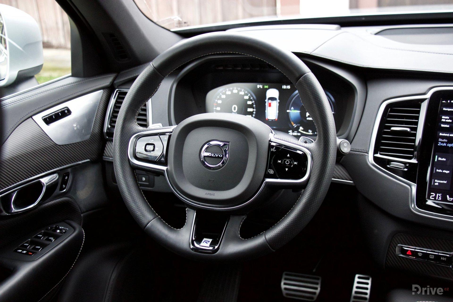 Volvo XC90 T8 (2015)
