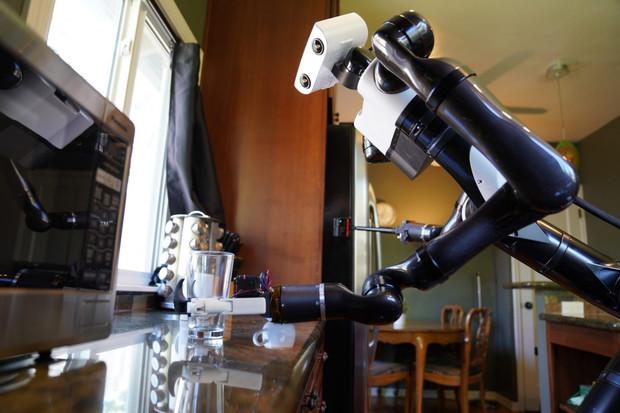 Toyota trénuje roboty, aby zvládli běžné domácí práce