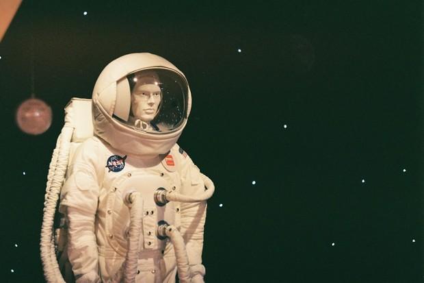 Testovací figurína NASA pro let na Měsíc má oficiální jméno