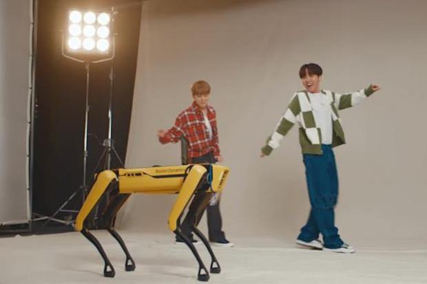 Podívejte se, jak robot SPOT tancuje na písničku od BTS