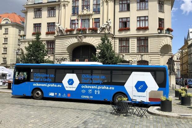 Po Praze bude jezdit očkovací autobus. Vakcínu dostanete bez předchozí registrace