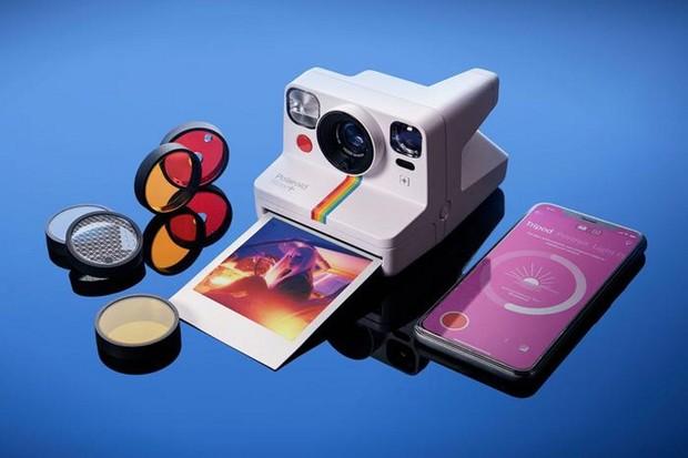 Polaroid Now+ se snaží překlenout mezeru mezi minulostí a budoucností