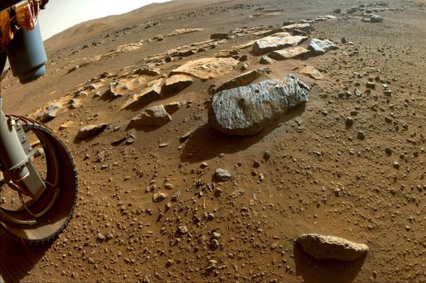 Vzorky marsovských hornin pomalu odkrývají minulost Rudé planety