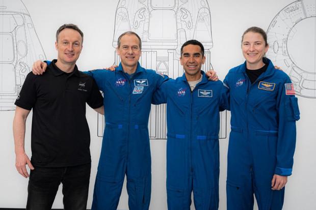 Crew-3 se na Mezinárodní vesmírnou stanici vydá už 30. října