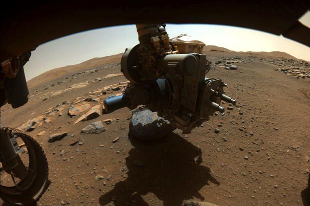 Jak se vzorky marsovských hornin dostanou zpět na Zem?