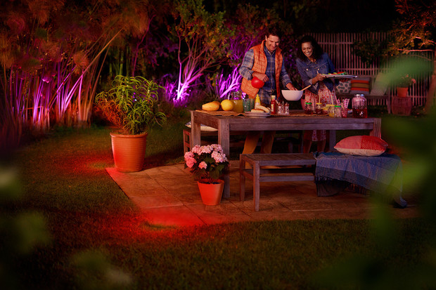 Philips představuje novou kolekci venkovního osvětlení Hue Outdoor