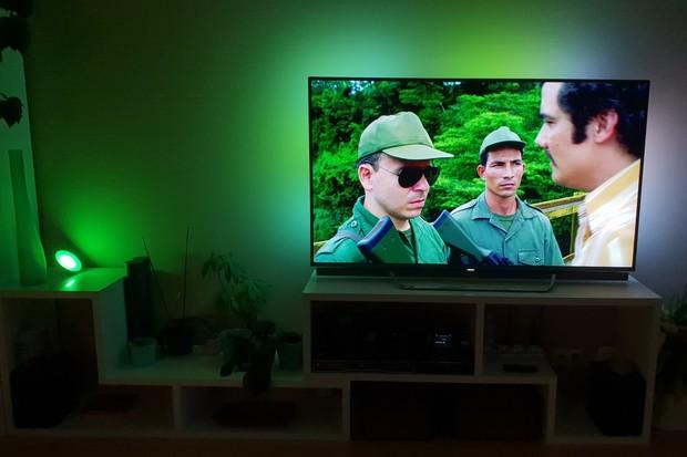 Televize Philips umí využít chytrá světla Hue. Jak na to?