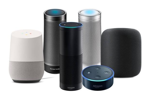 Amazon stále vládne trhu s chytrými reproduktory, ale Google mu dýchá na záda