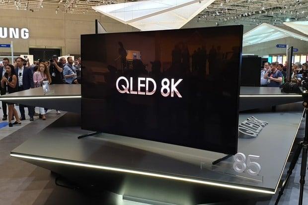 Odpíská Samsung Bixby? V televizích jej zřejmě nahradí Google Asistent