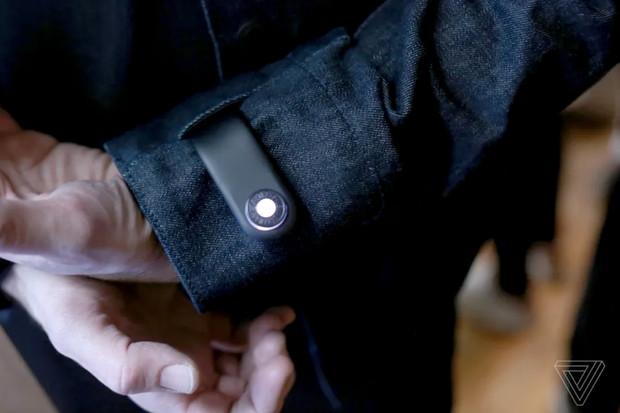 """Chytrá """"džíska"""" od Levi's se postará, abyste již nikde nezapomněli telefon"""