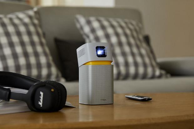 Projektor BenQ GV1 o velikosti dlaně umí přijímat obsah přes Wi-Fi, Bluetooth i USB-C