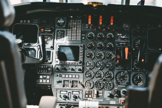 Pilot versus autopilot: Kdo řídí letadlo?