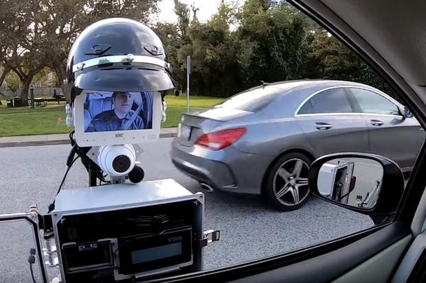Bude silniční piráty zastavovat tento robot? Má minimalizovat fyzické napadení