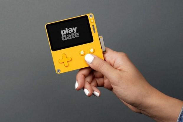 Playdate je zajímavý herní handheld se silným nádechem retra