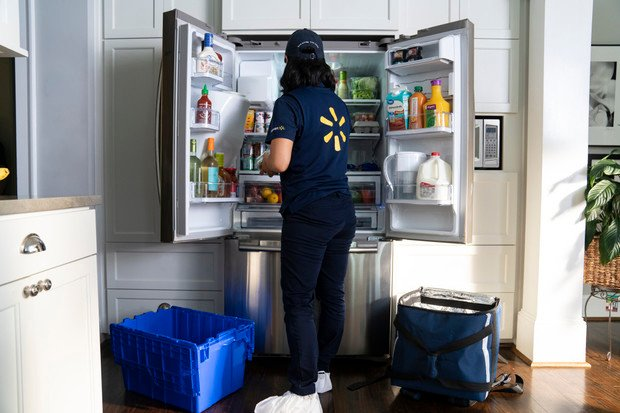Nechali byste si doplnit lednici poslíčkem? Odvážní Američané tu možnost získají