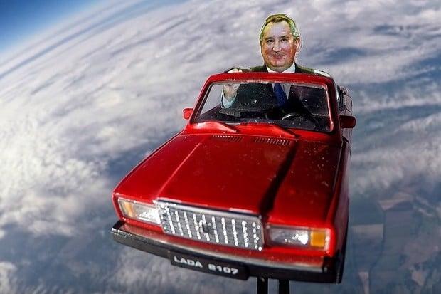 Rusové také poslali auto do vesmíru, a to hodně svérázným způsobem
