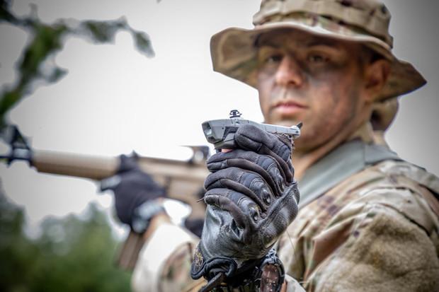Americká pěchota úspěšně otestovala kapesní drony. Už jimi vybavuje své jednotky