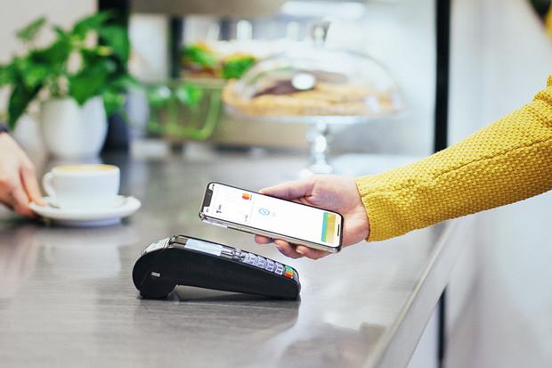 150 000 lidí: mobilem platí už 20 % klientů Air Bank
